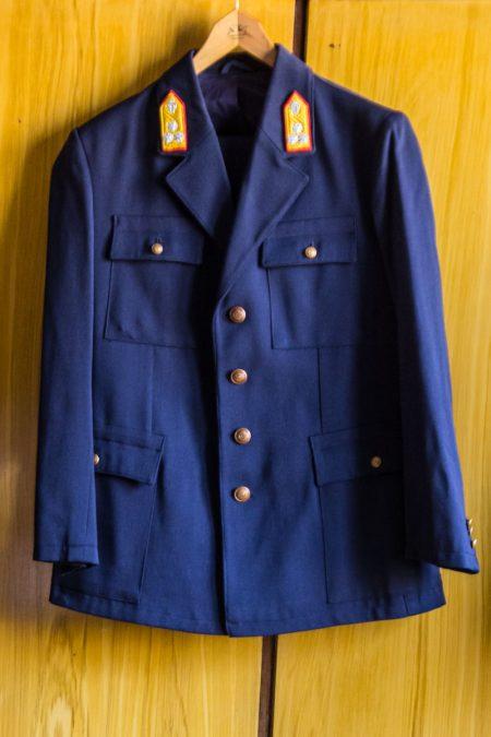 Eladó MÁV egyenruha zakó és nadrág újszerű állapotban retro gyűjtőknek is